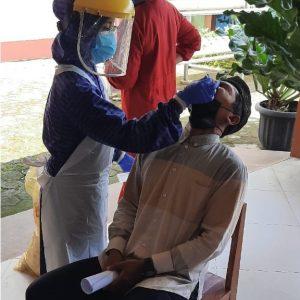 Deteksi Sebaran Covid, MTs Negeri 2 Banjarnegara Lakukan Rapid