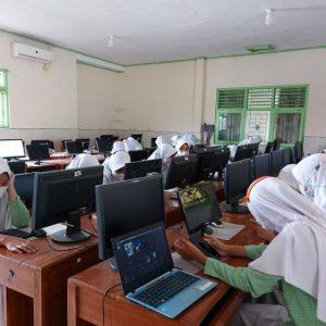 MTs Ma'arif Mandiraja Ikuti Webinar Adaptasi Empat Pilar Literasi Digital Untuk Siswa